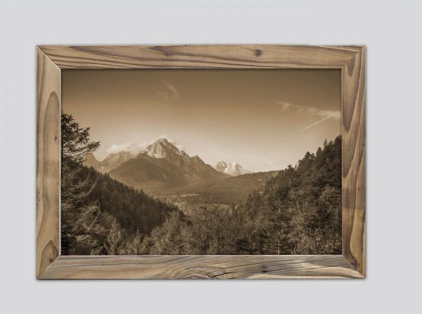 Wettersteinblick im Altholzrahmen