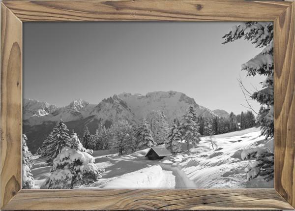 Karwendelblick-Winter-Altholzrahmen