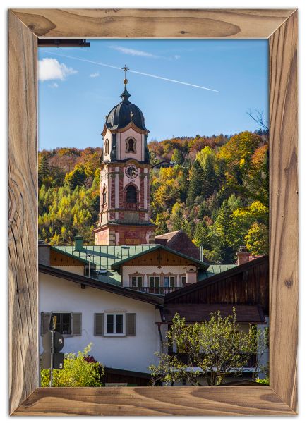 Pfarrkirche-St.-Peter-und-Paul-im-Altholzrahmen