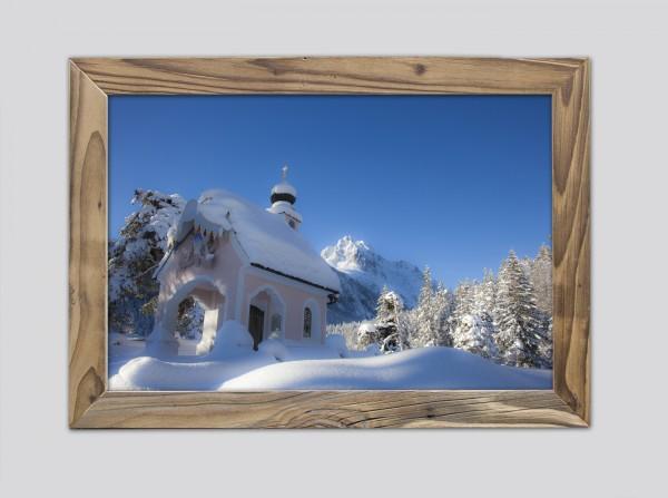 Kapelle-Maria-Königin-im-Altholzrahmen