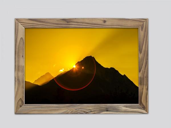 Sonnenuntergang-Wetterstein-Altholzrahmen