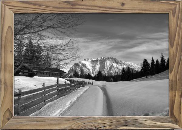 Spuren-Schnee-Altholzrahmen