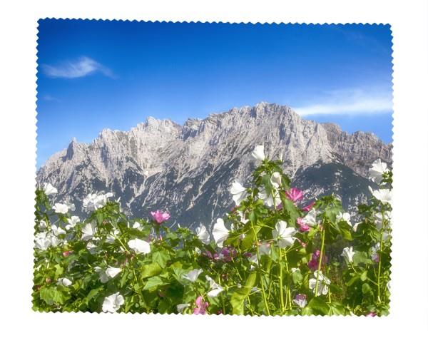 Blumenmeer vor Karwendel
