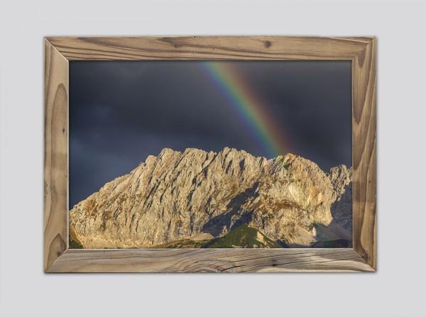 Regenbogen-über-dem-Wörner-im-Altholzrahmen