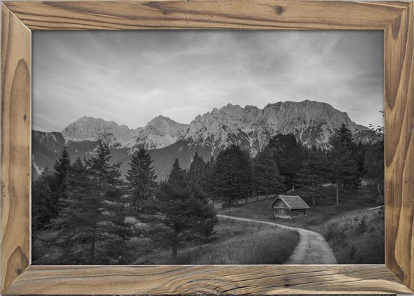 Karwendelansicht-Altholzrahmen
