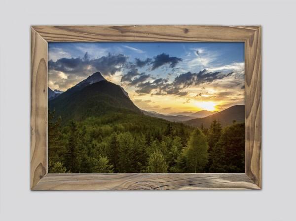 Blick-von-der-Ederkanzel-im-Altholzrahmen