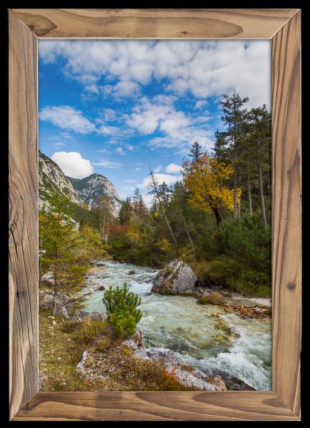 Isar-im-Herbst-im-Altholzrahmen