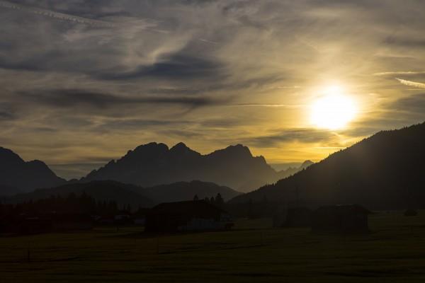 Sonnenuntergang über der Sonnenspitze